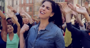 """I Love You, America!"" – Sarah Silverman parodiert die USA"