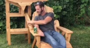 Der Mann und sein Bierstuhl