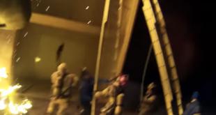 Feuerwehrmann wirft Kind meterweit in die Tiefe