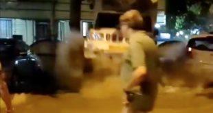 In Mumbai platzt eine Leitung und ein SUV wird durch die Luft geschleudert